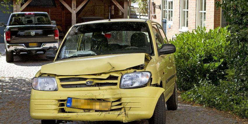 Automobilisten gewond bij aanrijding in Muntendam