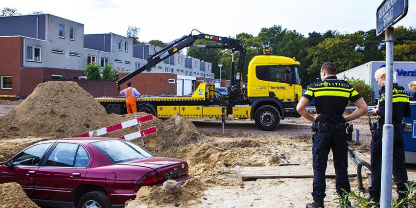 Bejaard echtpaar beland per ongeluk in bouwput in Boxtel