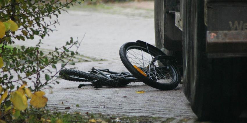 Foto van kind overreden door vrachtwagen   DG fotografie   www.denniegaasendam.nl