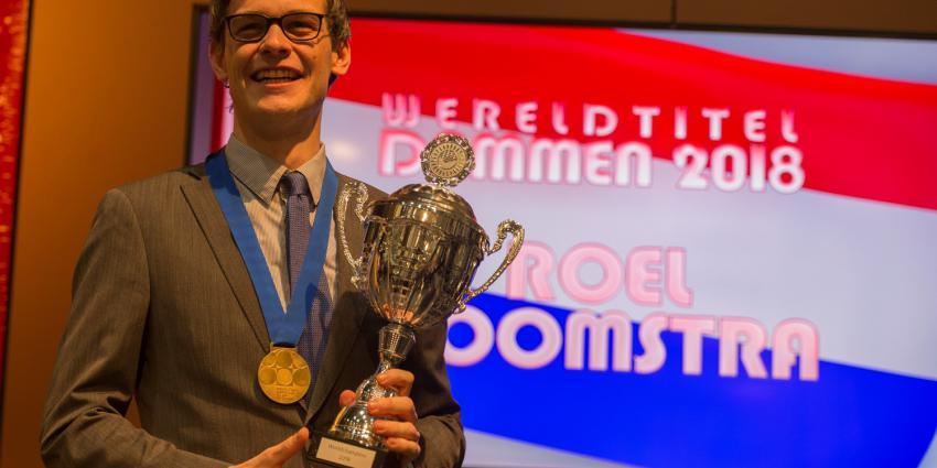 Roel Boomstra voor tweede keer wereldkampioen Dammen