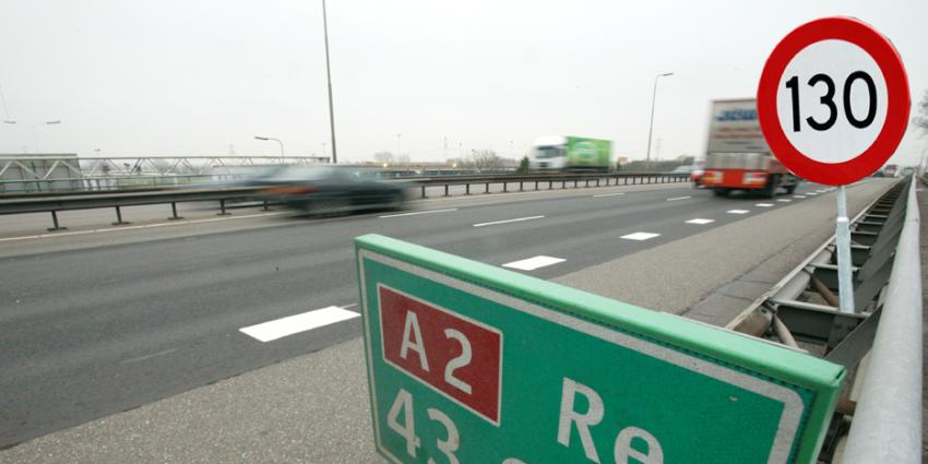 50 semi-zelfrijdende auto's zonder problemen over de A2