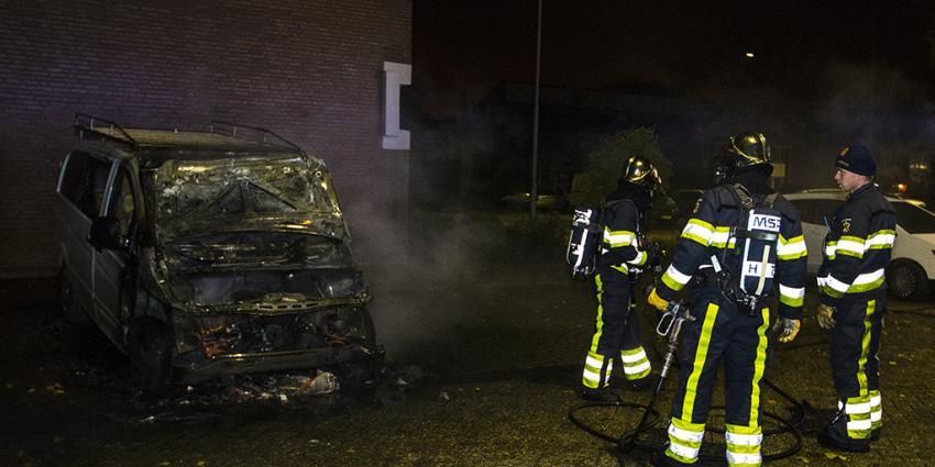 Bestelbus uitgebrand in Bossche wijk De Hambaken