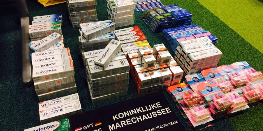 Mannen stelen voor 1200 euro uit supermarkt