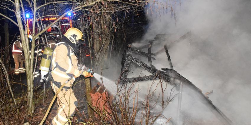 Kippenhok uitgebrand in Ruinen