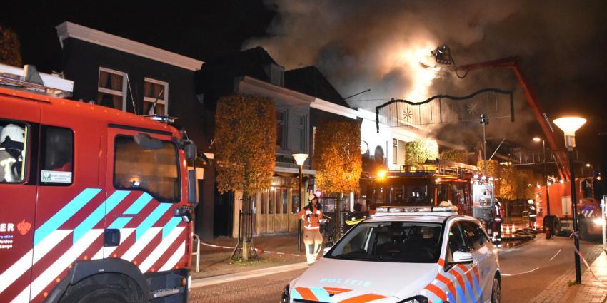 Grote brand verwoest pizzeria in Hoogeveen