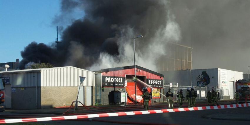 Grote uitslaande brand in Amsterdam