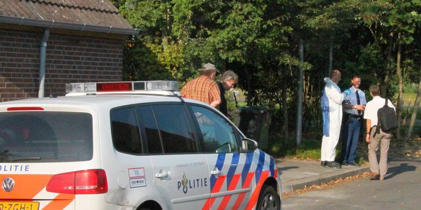 Politie reageert niet op zorgmeldingen; buurman dood aangetroffen