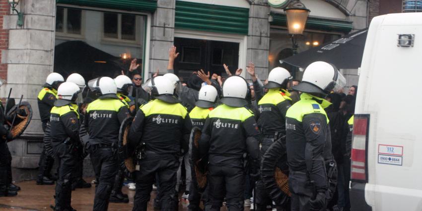 ME slaags met supporters Olympique Marseille in Groningen
