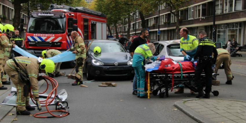Vrouw gewond bij aanrijding in Rotterdam
