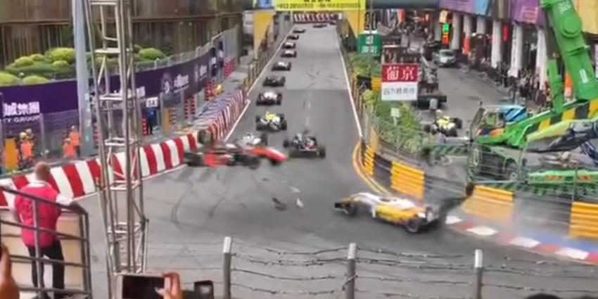 Formule 3 raceauto gelanceerd tijdens GP van Macau