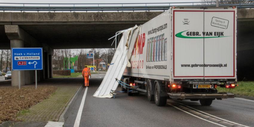 Vrachtwagen verliest dag van aanhanger