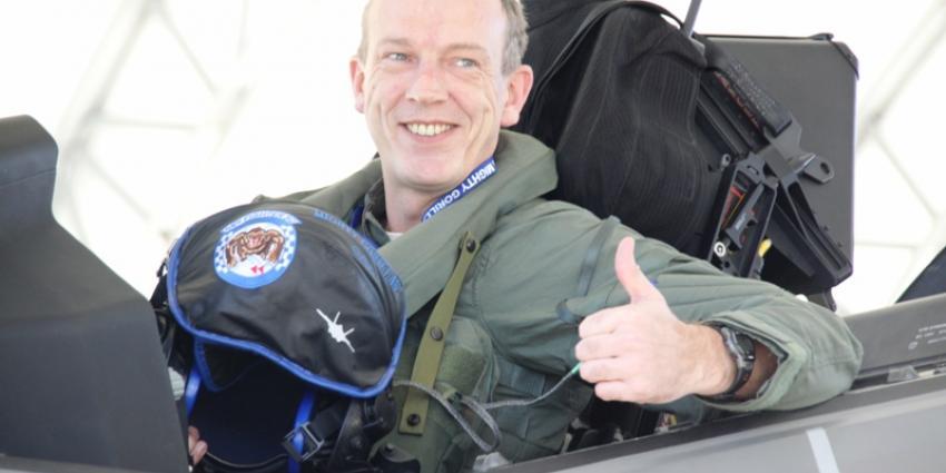 Majoor Vijge eerste solovlucht JSF | Min. Defensie