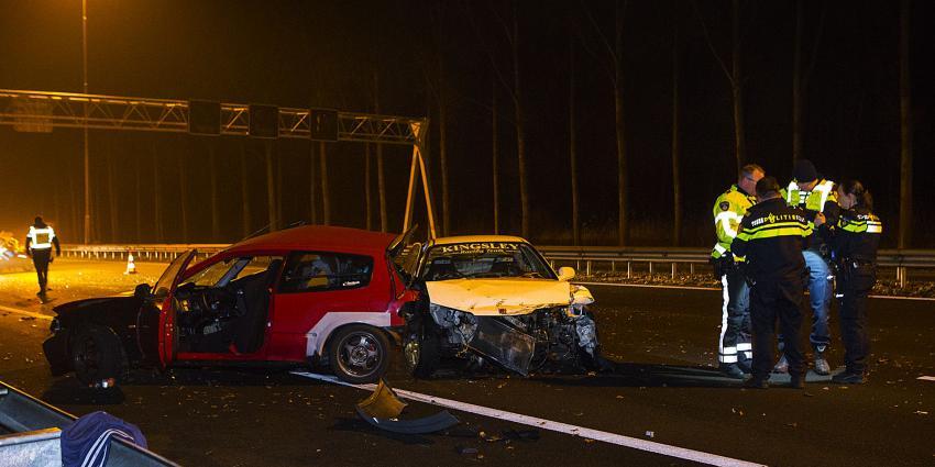 Snelweg dicht na ongeval met meerdere voertuigen bij Best