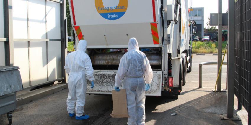 Politie doorzoekt vuilcontainer na schietpartij