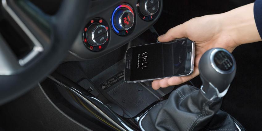 Telefoon draadloos opladen in Opel ADAM