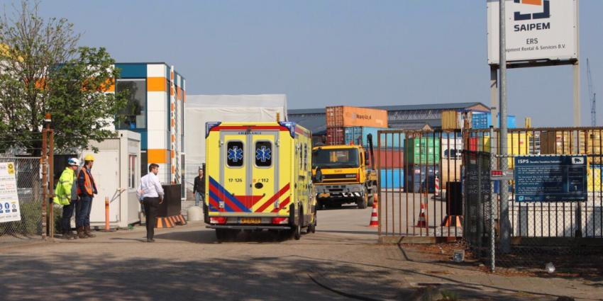 Zwaargewonde bij bedrijfsongeval in Schiedam