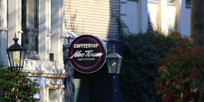 Foto van uithangbord coffeeshop New Times