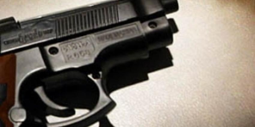 Aanhouding na foto met vuurwapen op Facebook