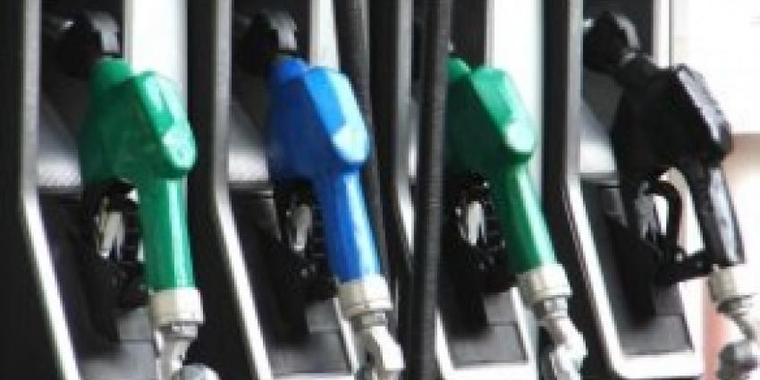 Benzinepomp omver gereden door automobilist