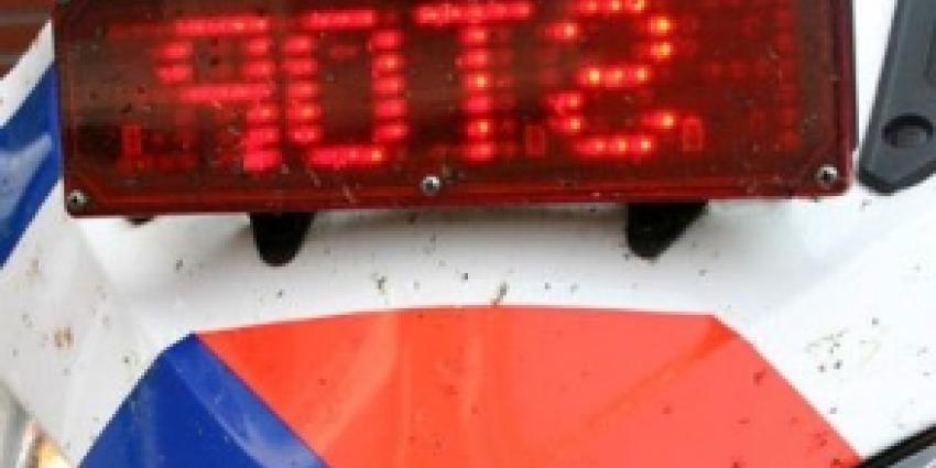 Drankrijder tuft met slakkengang over Provincialeweg