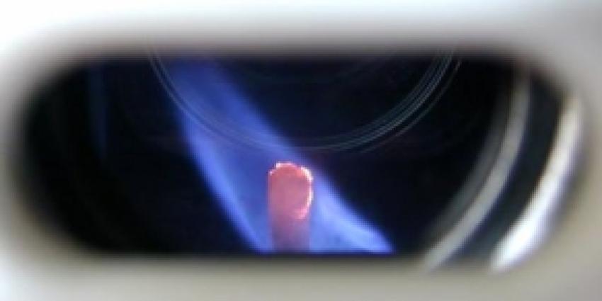 Foto van vlam in geiser | Archief FBF.nl