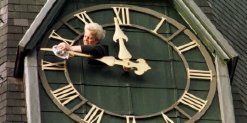 Voor de zekerheid:klok uurtje vooruit