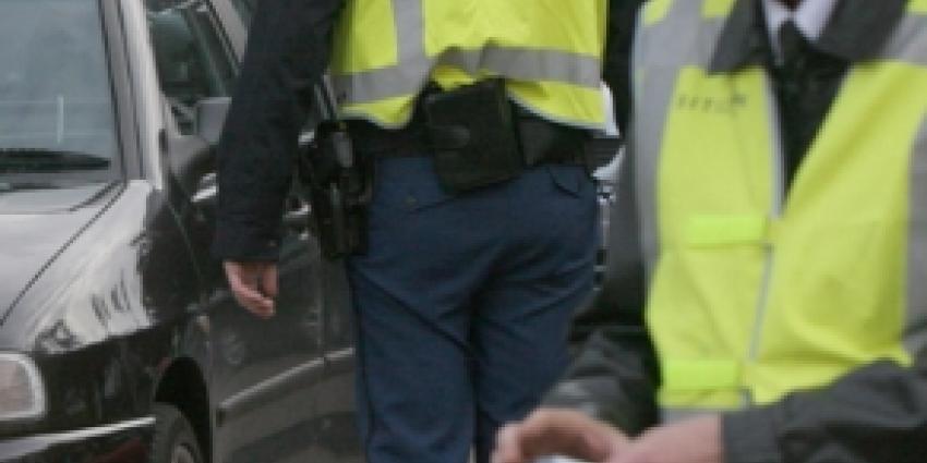 Man aangehouden voor rijden zonder rijbewijs