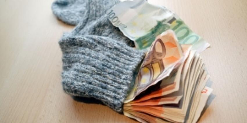 Foto van stapeltje geldbriefjes | Archief FBF.nl