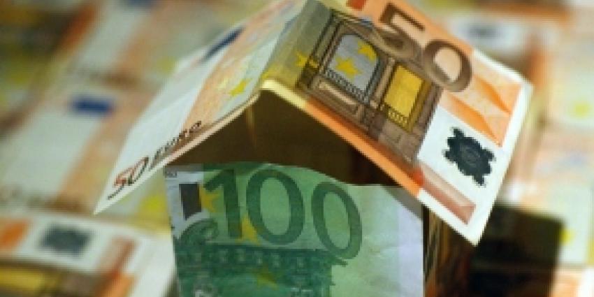Vicepremier Lodewijk Asscher wijst op mogelijke extra bezuinigingen