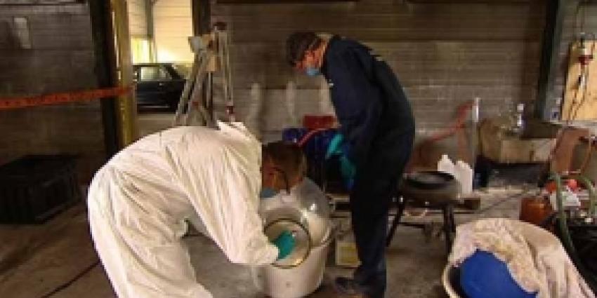 Vijf personen aangehouden bij vondst groot synthetisch drugslab Schagen