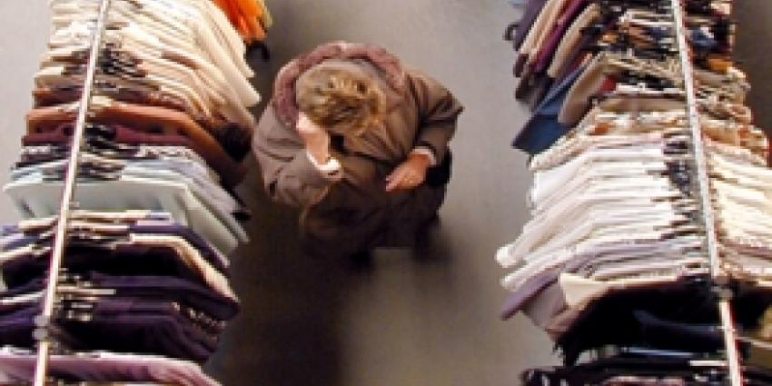 Inbrekers slaan toe in kledingzaak en laten bijna lege winkel achter