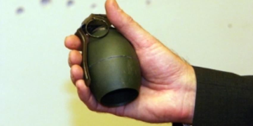 Man levert granaat af bij politiebureau