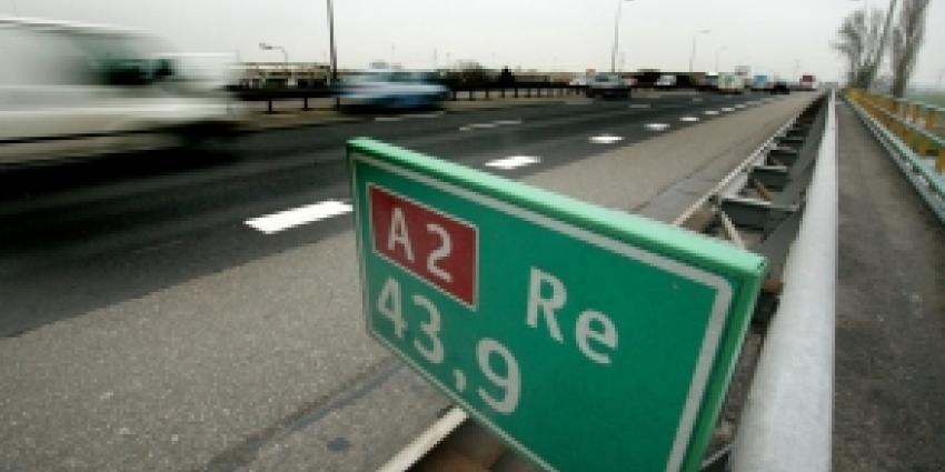 Persoon ernstig gewond bij verkeersongeval op A2