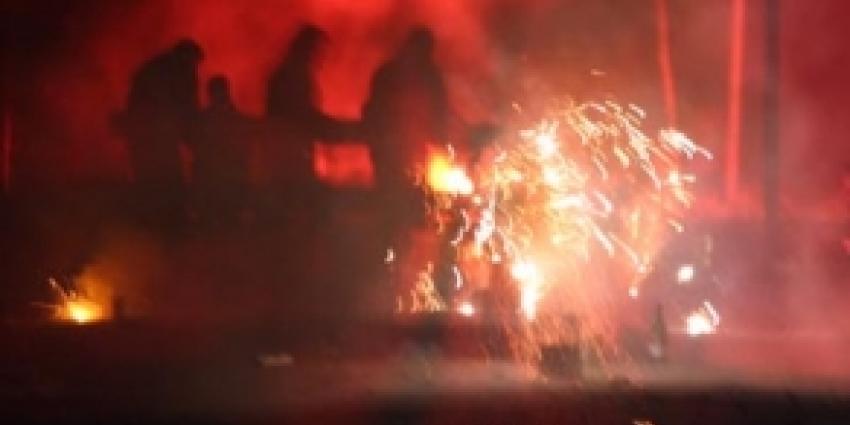 Vuurwerk in woning en schuur