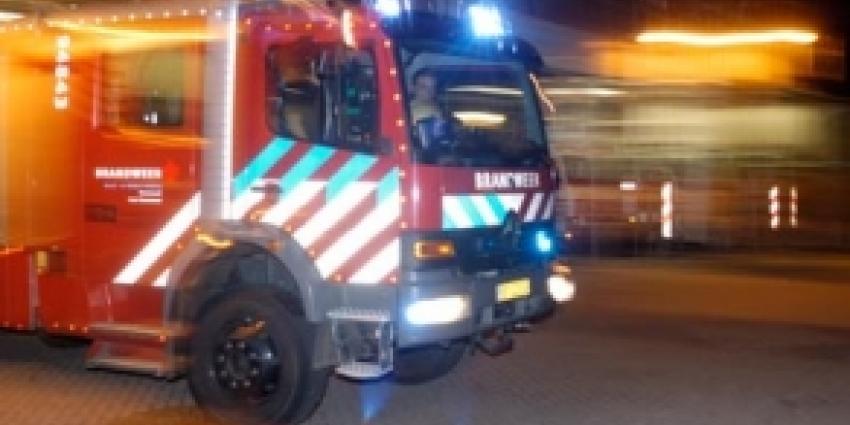 Zeer grote brand laat bedrijfspanden in vlammen opgaan