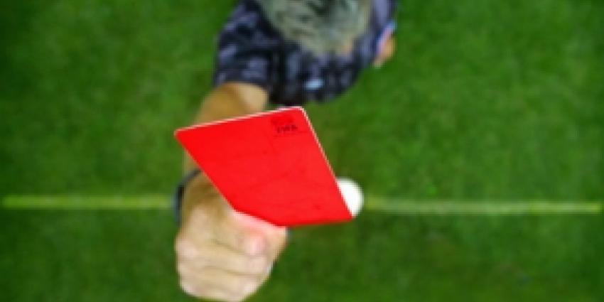 Scheidsrechter en omstander mishandeld bij voetbalwedstrijd