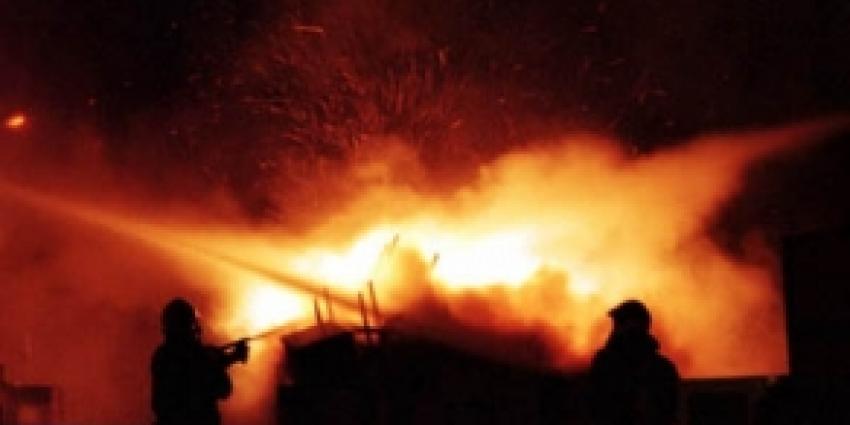Asbest vrijgekomen bij uitslaande brand boerderij
