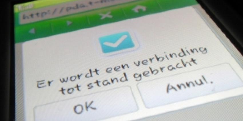 Van der Steur: maak je mobiel 'Boefproof'