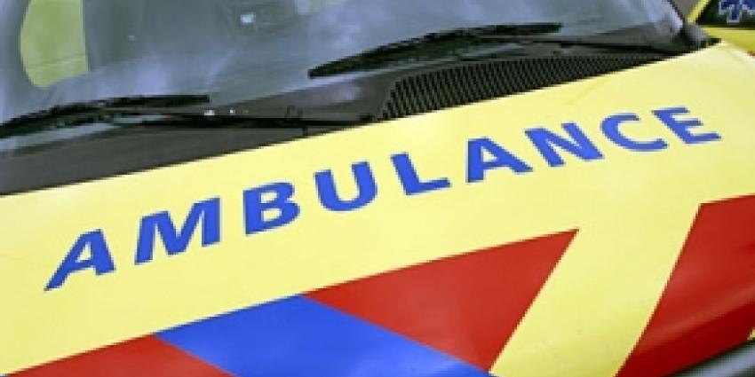 Moeder en twee kinderen gewond na aanrijding