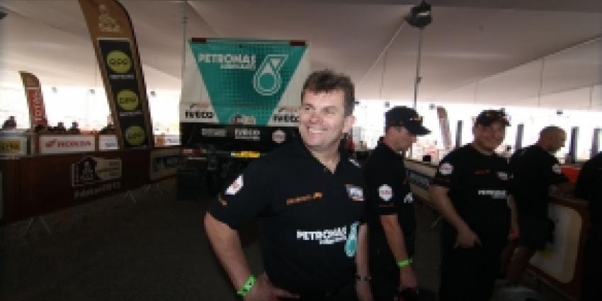 Stacy uit Dakar Rally na koprol