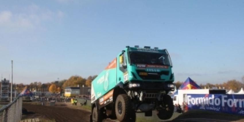 De Rooy verliest een uur in Dakar Rally