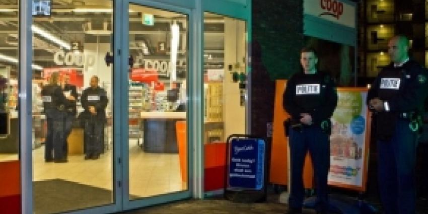 Personeel en klanten bedreigd bij overval supermarkt