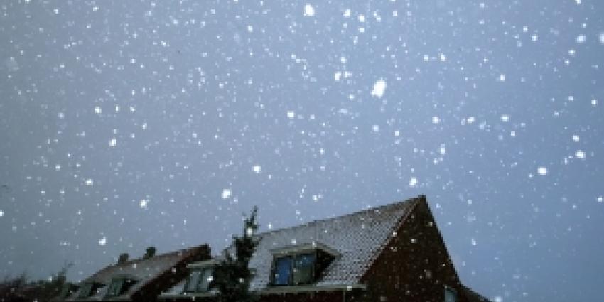 Eerste sneeuw in Zeeuwse Krabbendijke