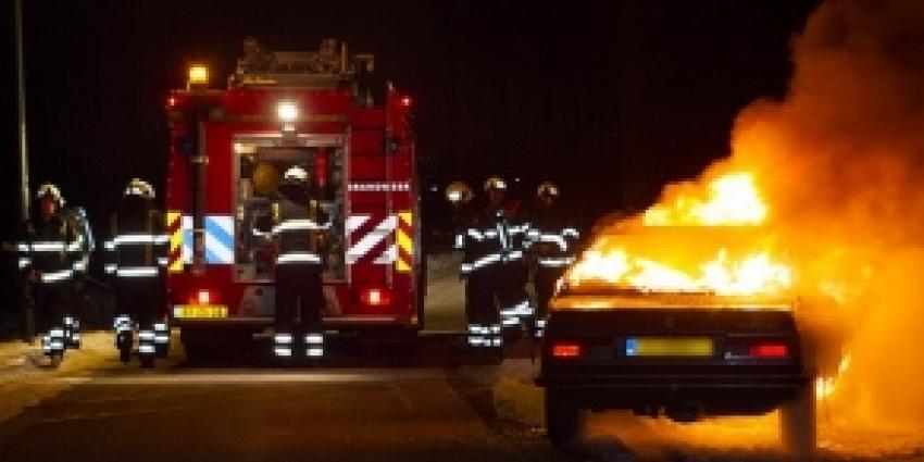 Klassieke BMW volledig uitgebrand in Boxtel