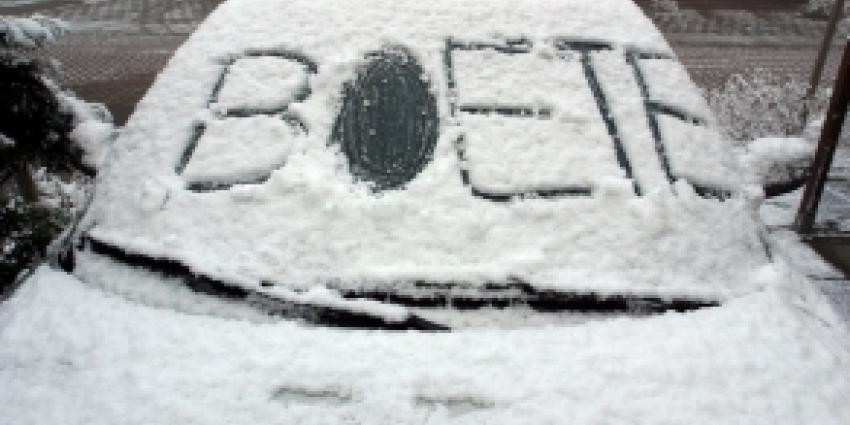 Dure boetes voor bevroren en besneeuwde autoruiten