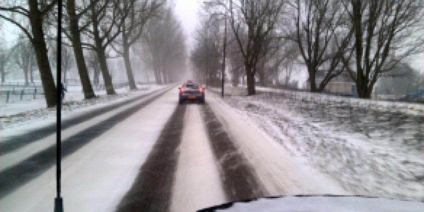 Rijkswaterstaat waarschuwt voor gladde wegen, ook vannacht