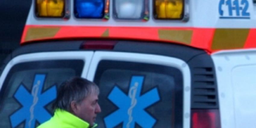 Man op straat neergestoken