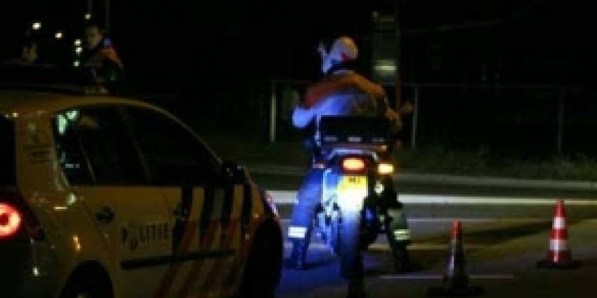 Automobilist rijdt in op motoragent: politie zoekt getuigen