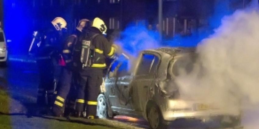 Man steekt auto buren in brand na melding geluidsoverlast
