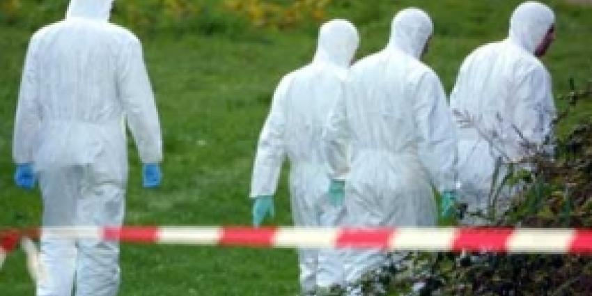 Dode vrouw in auto in water Emmeloord aangetroffen
